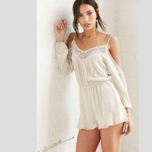 Ecote Floaty Cold Shoulder Romper in Natural